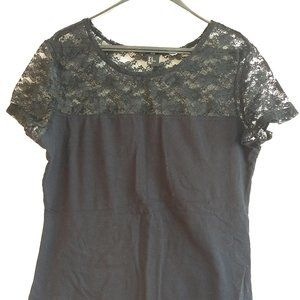 3/$25 H&M black tshirt with lace top